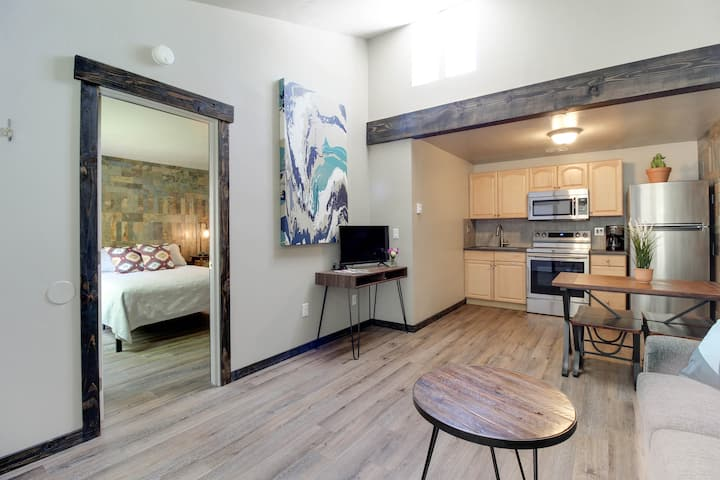Enjoy, Style and Peace at our Bend Condo