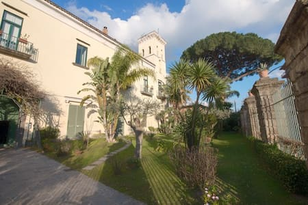 Apartment in prestigious historic villa - Cimitile - Daire