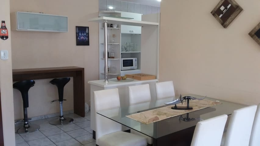 Cozy room near subway station, safe neighborhood. - Brasília - Apartment
