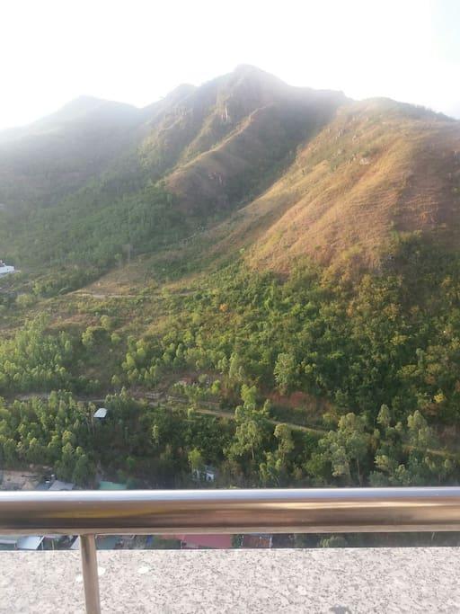 Вид из балкона ( на горы)