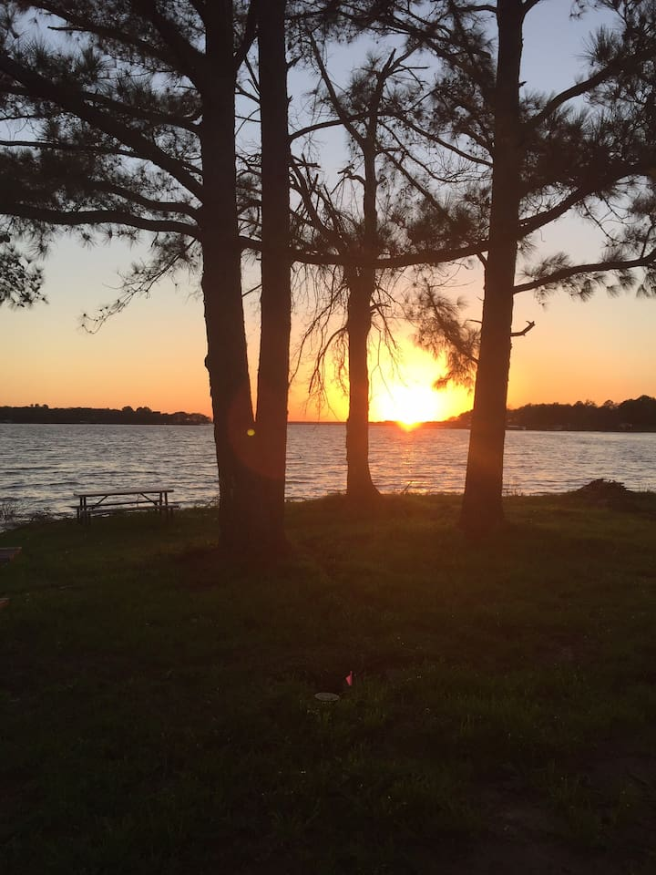 Most beautiful sunsets in Tx!!! For boat rentals please call 903-451-9585.