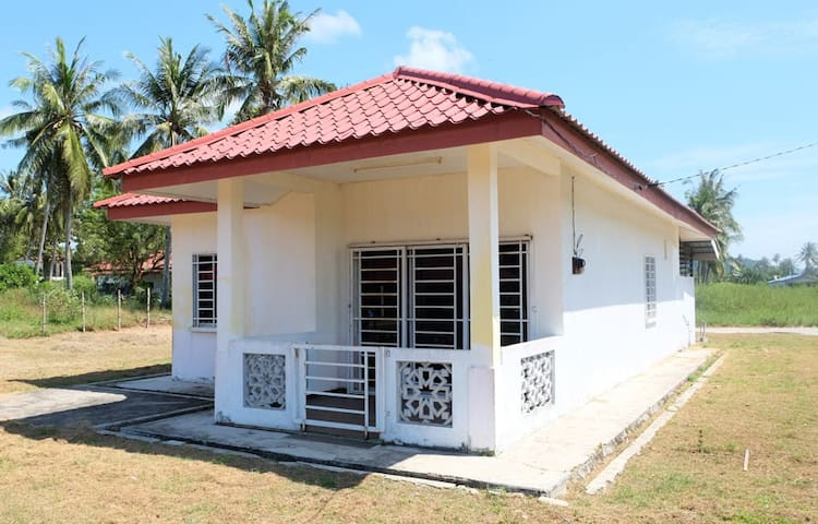Cenang Village House - Double Room
