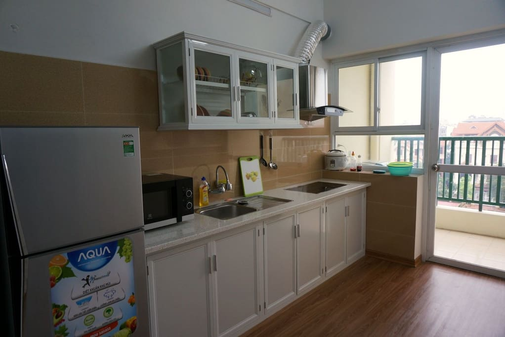 Full Kitchen with Fridge, Air conditioning, Balcony