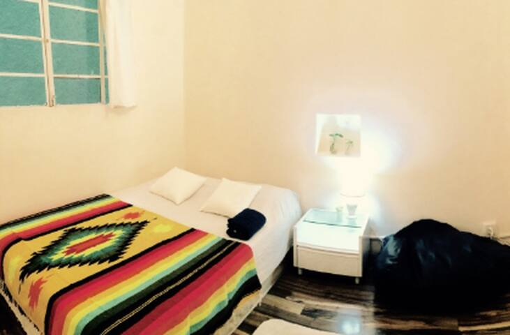 Cozy - Good vibes-  Bed in Roma Sur - Mexiko-Stadt