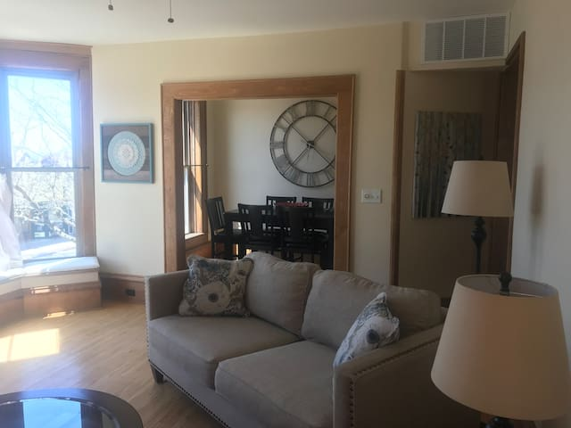 Perfect and cozy historic apartment in the heart of Downtown Frankfort. Literally a few steps to shopping, dining and Lake Michigan.
