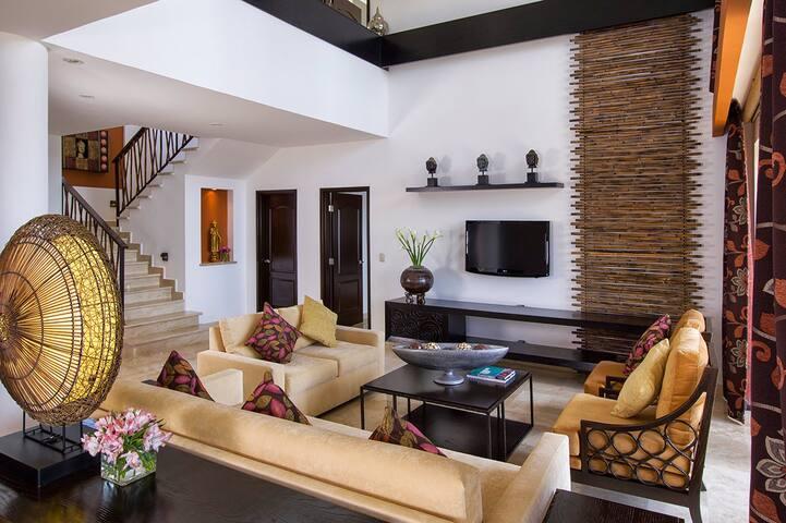 3BR Residential Loft at Villa Del Palmar