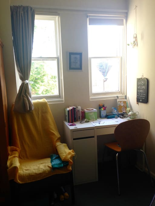 the room and the desk
