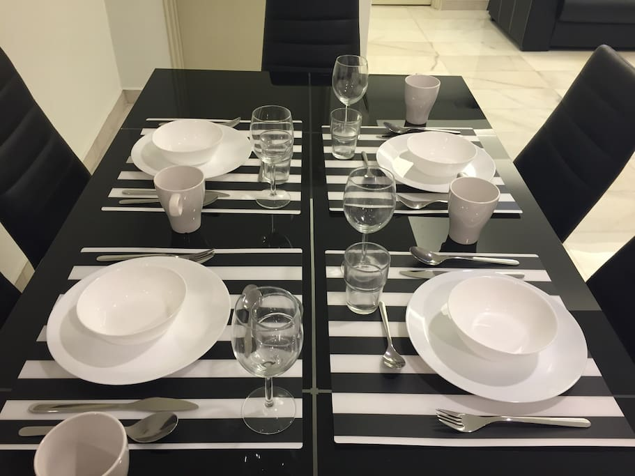 Full set of servingware