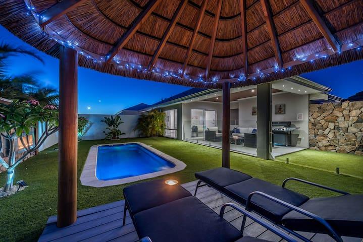 Resort Style Beach House Jindalee