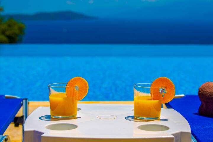 Villa Pegasus - Luxury Villa in Modern Residence