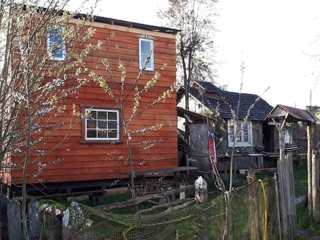 Cabaña simple y acogedora en poblado Rilán. Chiloé