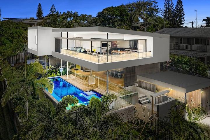 Bluey's Beach House (5) - Ocean Views, Heated Pool