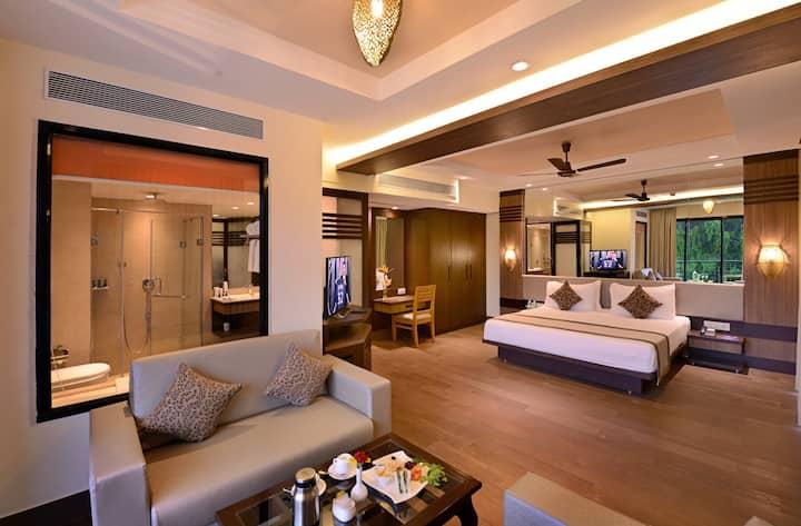 700 SqFt Luxury Rio Room with bathtub - Resort Rio