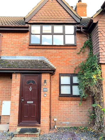 Cosy one bedroom house in the heart of Surrey