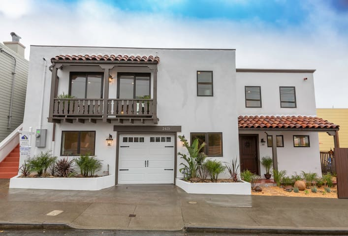 Smart Contemporary Extended Stay in Sunset