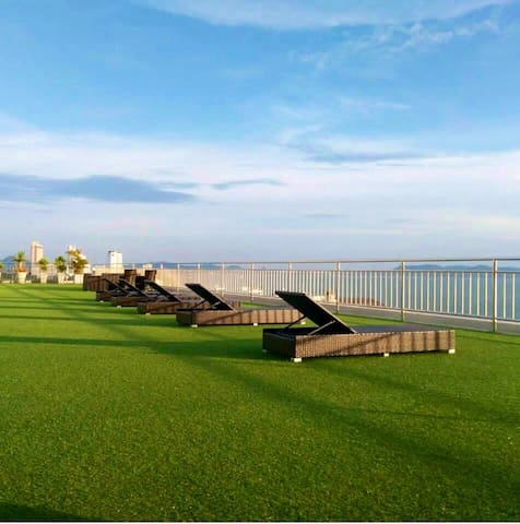 Nam Talay Condo Jomtien Beach Luxurious & Spacious