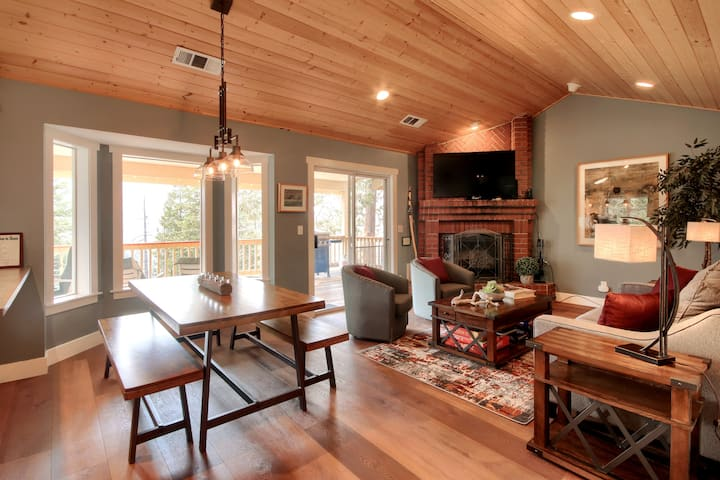Modern Mountain Retreat Cabin A - newly remodeled!