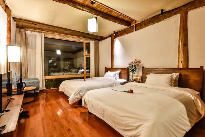 藏式豪华观景双床房