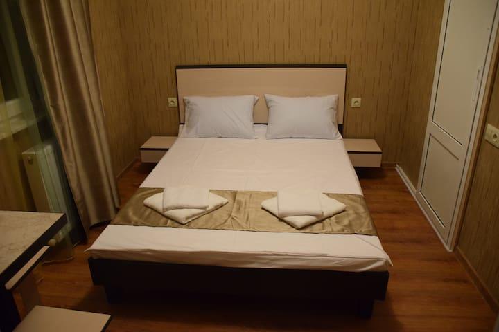 Crossway Hotel  room 1