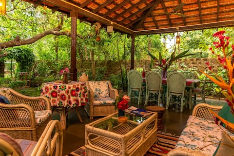 Casa De Xanti- 2 BHK Spacious pet friendly Villa.