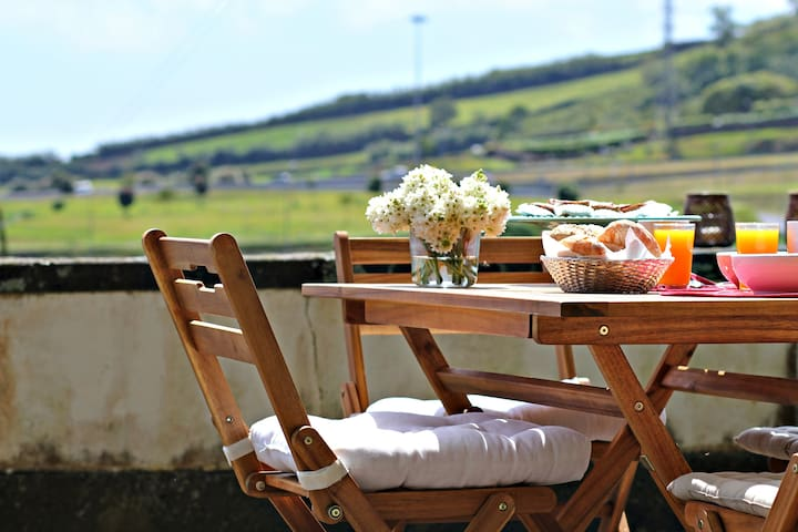 The Gate House - Charm and Comfort in Azores - Fajã de Baixo - Haus