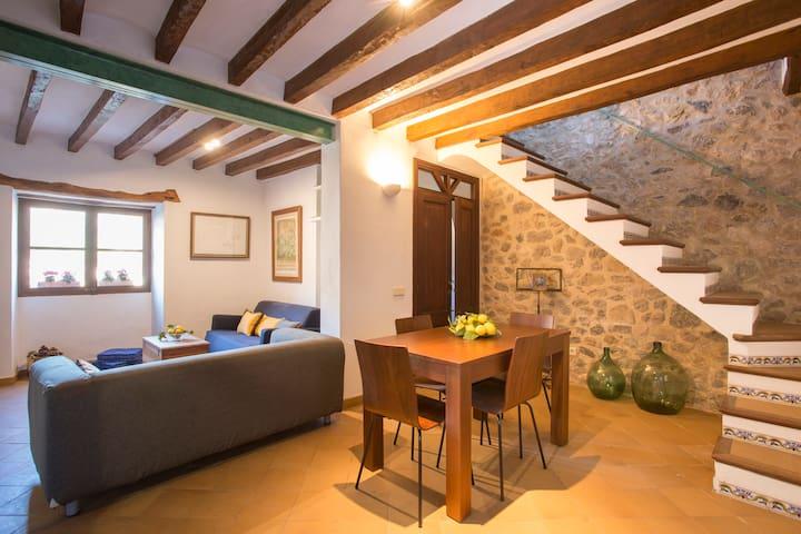 MIRAVILA, COSY TRADITIONAL HOUSE IN VALLDEMOSSA