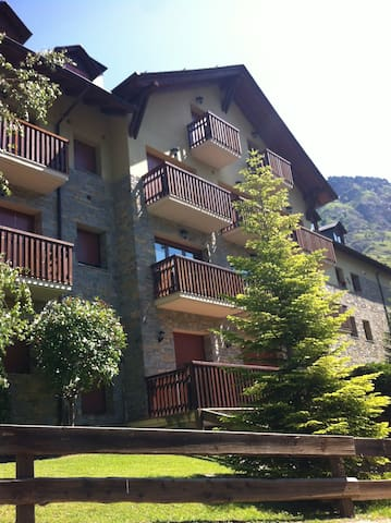 Planta Baixa a Espot - Espot - Condominium