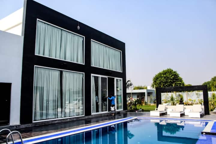 Luxury Villa with Personal Pool and Personal Chef