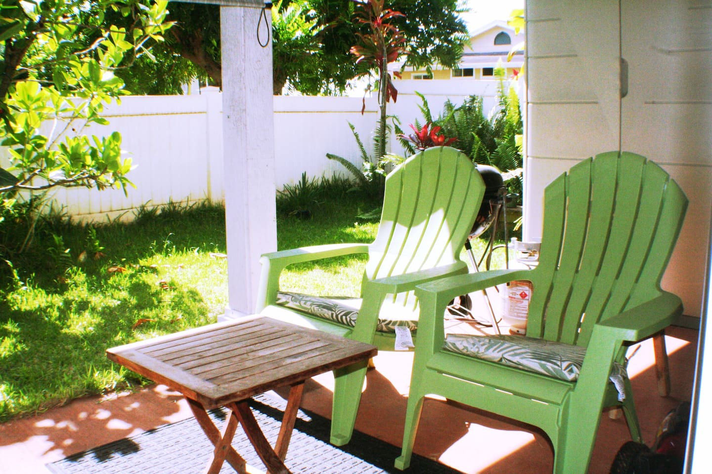 Outside Covered Patio -Seating For Two