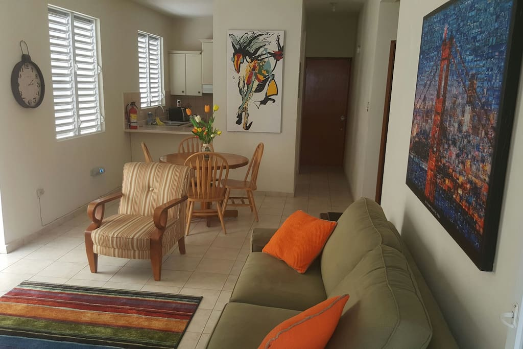 SPECIAL PRICE DEAL IN FEB.. DO NOT MISS!! Free Wifi Internet Available In and Around Apartment. 1 Bedroom 1 Bath plus Kitchen and Big Living Room Area.
