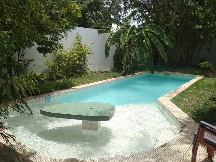 Villa avec piscine au coeur de Ouaga