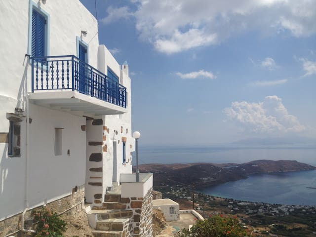 Studio in Chora with Seaview. Ideal for couples