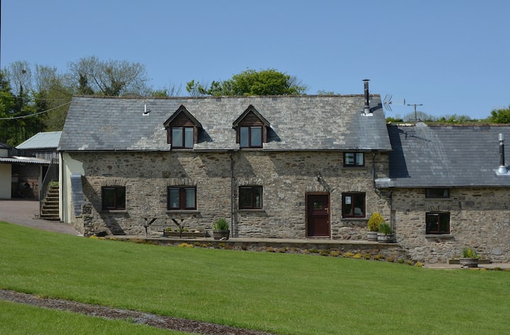 Jasper Cottage - Pet-friendly spacious barn conversion in Exmoor National Park