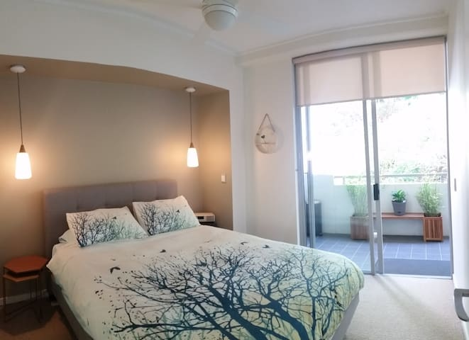 Modern Apartment only 2kms to city - Teneriffe - Apartment