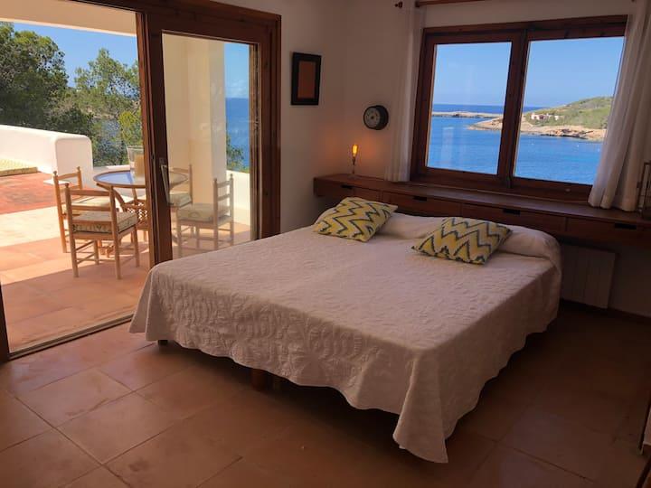 Bed and breckfast. Suite El Techo. 250€/noche.