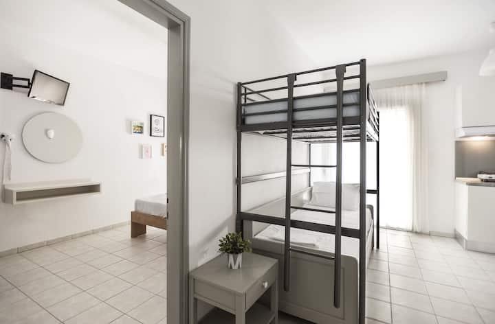 Afkos Apartment  7