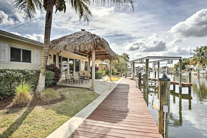 Waterfront Matlacha Home w/Private Dock, Boatlift!