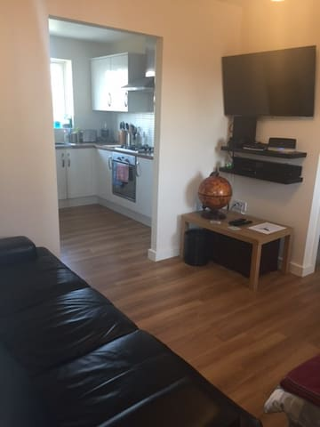 Modern 1 bed flat-sleep 3 - Buckingham - Wohnung