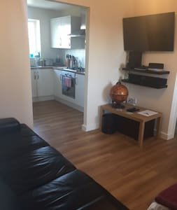 Modern purpose built 1 bed flat - Buckingham