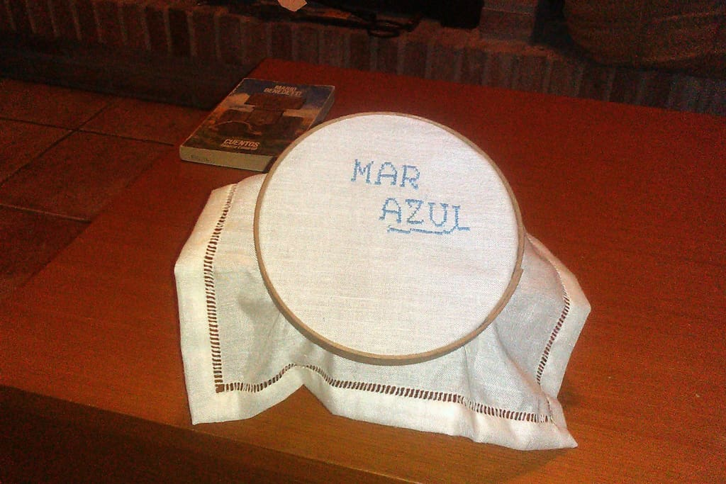 Nuestro nombre bordado en un tapiz antiguo