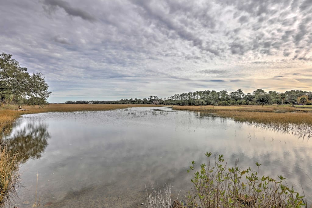 Enjoy access to this saltwater river, just 3 blocks from the home.