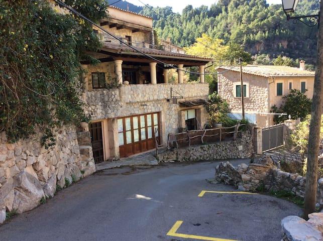 Artist designed House - Deià - House