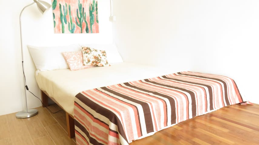 Extra large single bed