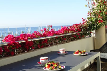 Intimate luxury and sea view close to Melia hotel - Sitges - Casa