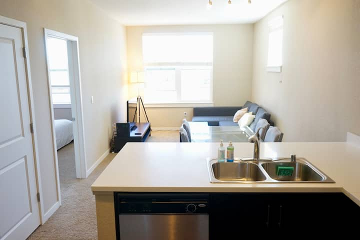 Foster City 1bd Many Amenities Pool+Gym+Smart TV!