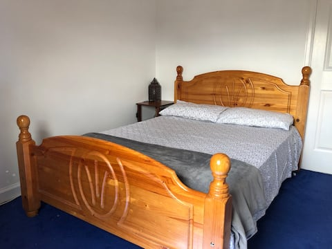 Comfortable bedroom near Edinburgh