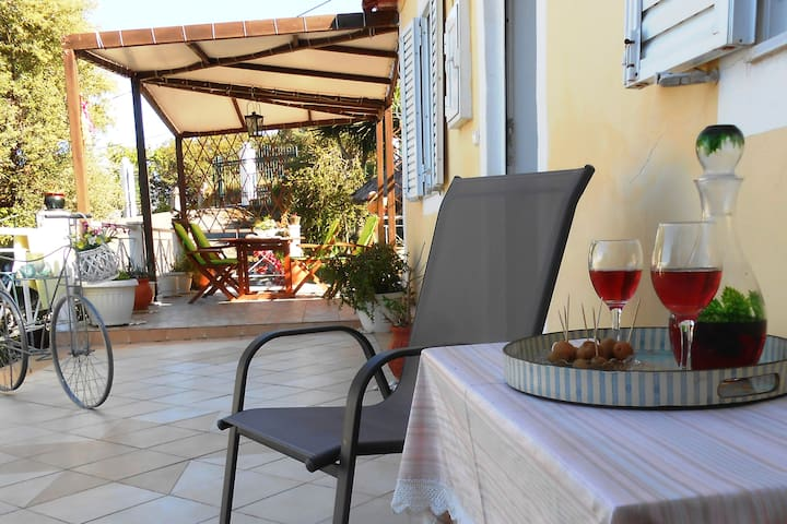 Charming Country Villa Kallithea - Kallithea - House