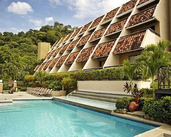 Villas Sol Hotel & Beach Resort - Costa Rica - Papaguyo - Condominio