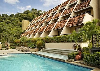 Villas Sol Hotel & Beach Resort- - Papaguyo