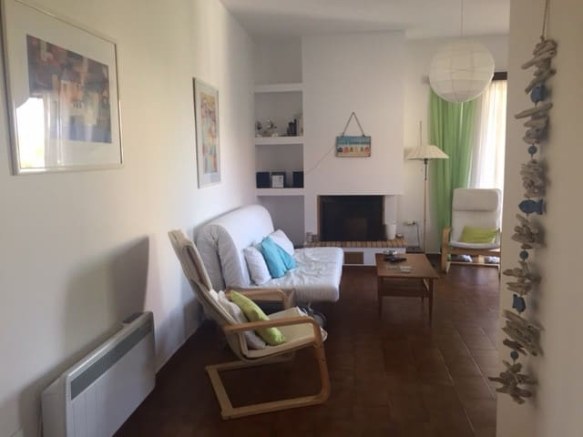 Sounion 35km from airport 2nd floor 3 rm apartment